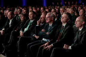 Jean-Louis Schiltz (Schiltz & Schiltz), Lydie Polfer (Bourgmestre de la Ville de Luxembourg), René Winkin (Fedil), Michel Wurth (ArcelorMittal), Márton Fülöp (Docler Holding) et Luc Frieden (Président de la Chambre de commerce) ((Photo: Matic Zorman))