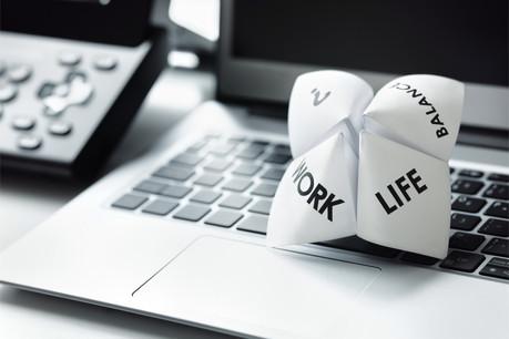 Le droit de se déconnecter après les heures de travail sans conséquences pour un employeur n'est pas encore inscrit dans la loi luxembourgeoise. (Photo: Shutterstock)