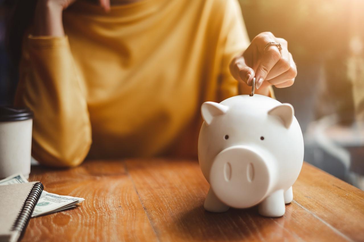 Les différences de richesse entre les hommes et les femmes s'expliquent par le salaire, mais pas uniquement. (Photo: Shutterstock)
