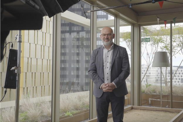 CBRE donne la parole à des acteurs proches du secteur immobilier, introduits par Frank Rosenbaum. (Havé Films)