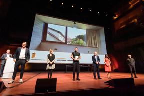 Au centre, Thierry Holtzem (Mycon Ingérieurs Sarl), lauréat du Bauhärepräis OAI 2020 ((Photo: Nader Ghavami/Maison Moderne))