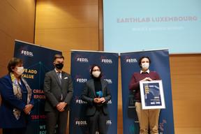 Michèle Detaille (Fedil), Franz Fayot (Ministre de l'Économie, LSAP), Thomas Friedrich, Benjamin Hourte (EarthLab Luxembourg) ((Photo: Matic Zorman / Maison Moderne))