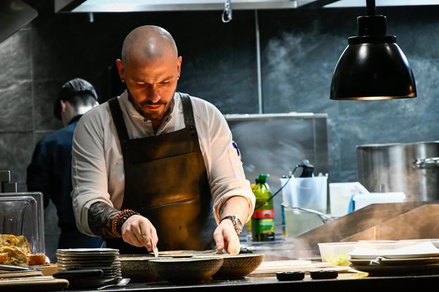Terroir local, influences et souvenirs du monde se complètent dans la cuisine du Skybar, entre les mains du chef Renaud Nols. (Photo: Skybar)