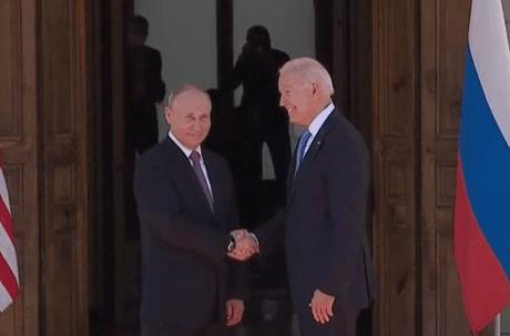 Le sommet marque une détente sur le front des relations entre Moscou et Washington, de plus en plus tendues ces derniers mois. (Photo: Capture d'écran/Youtube France 24)