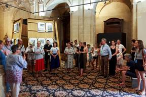 Visite officielle des expositions de Claudia Passeri et Krystyna Dul par les Rencontres d'Arles à la Chapelle de la Charité ((Photo: Romain Girtgen / CNA))