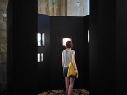 «Resonance» de Krystyna Dul, vue de l'installation à la Chapelle de la Charité ((Photo: Romain Girtgen / CNA))