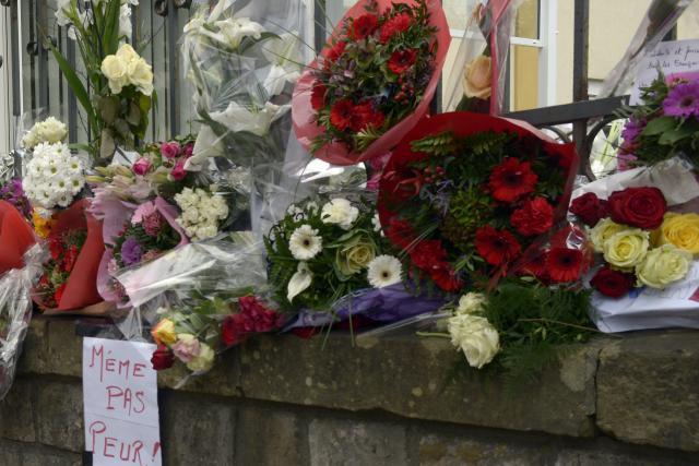«Le Luxembourg est Paris». Il y a un an, les résidents du Grand-Duché rendaient hommage aux victimes de la tuerie du 13 novembre survenue à Paris.  (Photo: Christophe Olinger / archives)