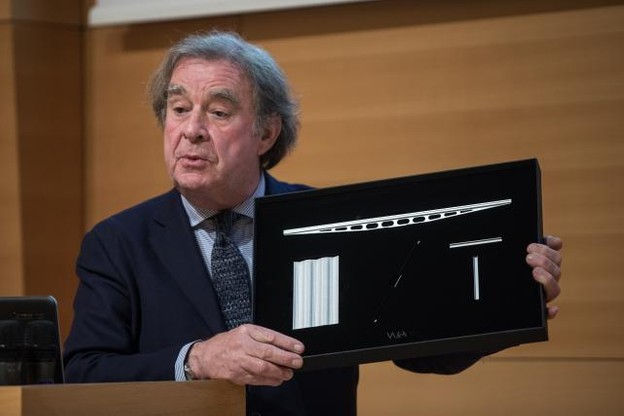 Le projet retenu est finalement celui du bureau de Jean-Michel Wilmotte, une tour très compacte et beaucoup moins haute qu'initialement envisagée. (Photo: Edouard Olszewski)