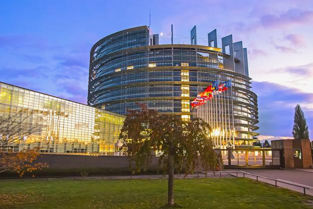 Entre la nomination de son nouveau président reportée à demain, mercredi, les manifestations annoncées de Catalans et le nouvel équilibre politique, le Parlement européen connaîtra une rentrée difficile. (Photo: Shutterstock)