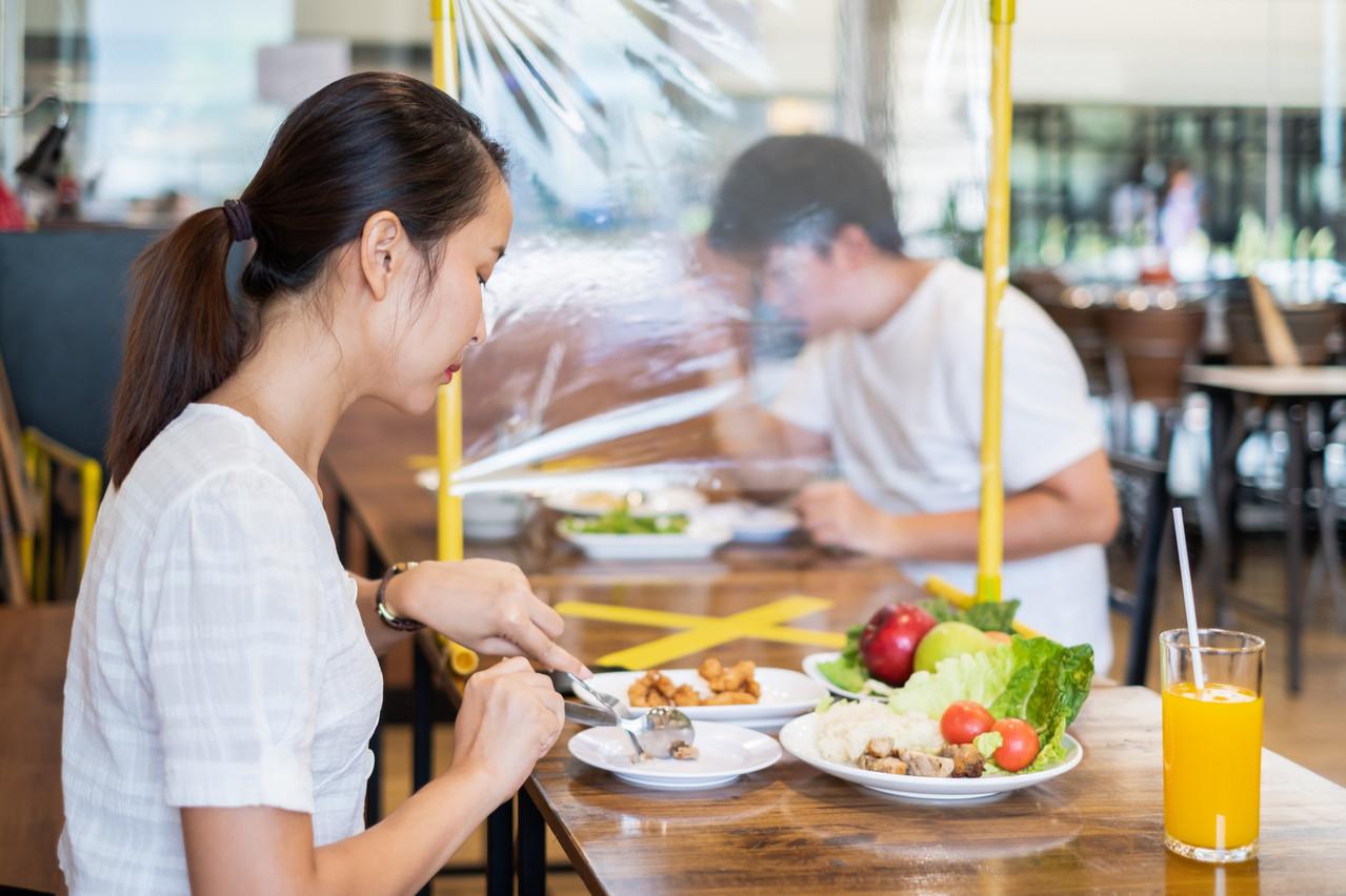 Les restaurateurs doivent afficher les mesures de protection adéquates pour retrouver la confiance des clients. (Photo: Shutterstock)