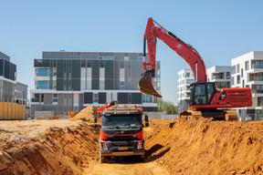 Un grand nombre de chantiers de la capitale ont rouvert ce lundi dans le cadre du déconfinement. ((Photo: Matic Zorman / Maison Moderne))