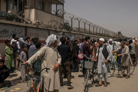 Des milliers d'étrangers et d'Afghans qui les ont aidés tentent de fuir l'Afghanistan avant le départ complet des Américains, programmé pour l'instant pour le 30 août. (Photo: Shutterstock)