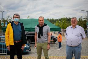 Roger Negri (à gauche), Gilles Roth (au centre) et Marcel Schmit (à droite) veillent également à l'approvisionnement en masques des écoliers et enseignants (Photo: Matic Zorman / Maison Moderne)