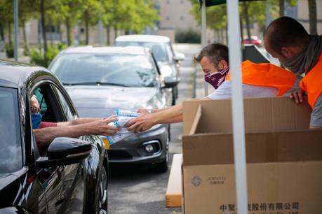 Le retrait des masques concerne tous les résidents âgés de 16 ans et plus. (Photo: Matic Zorman / Maison Moderne)