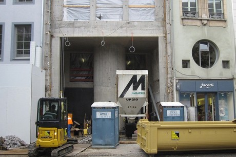 L'entreprise s'occupe de locaux commerciaux dans les centres-villes. Elle a repris son activité ce lundi après l'annonce de la réouverture des chantiers. (Photo: Kuhn Construction)