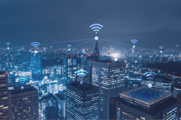 Gabrielle Inzirillo, directrice Fintech de Plug and Play Europe, rappelle que nous sommes encore «à des années de connaître une vraie smart city», mais des villes telles que Londres et Singapour sont prometteuses. (Photo: Shutterstock)