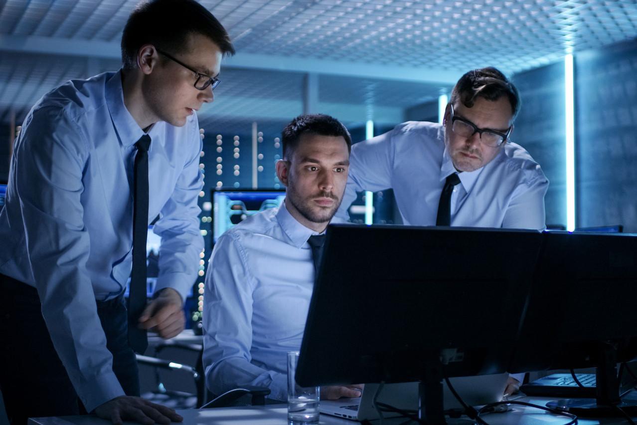 La capacité à agir très vite et en équipe et à évaluer les mesures prises sont des éléments décisifs face à une cyberattaque. Et Room#42 permet de s'y entraîner. (Photo: Shutterstock)