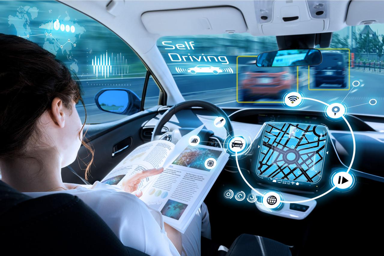 Pour que le sujet de la voiture autonome puisse… avancer, elle doit être dotée de cartes précises, fiables et enrichies de tout ce qui va servir à l'expérience de conduite, une spécialité de Civil Maps. (Photo: Shutterstock)