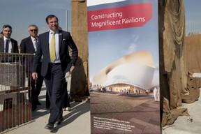 (de g. à dr.) Jean Leyder, membre du GIE Luxembourg@Expo 2020 Dubaï, directeur de l'Administration des bâtiments publics; Pierre Gramegna, ministre des Finances; S.A.R. le Grand-Duc héritier. ((Photo: © SIP / Jean-Christophe Verhaegen, tous droits réservés))