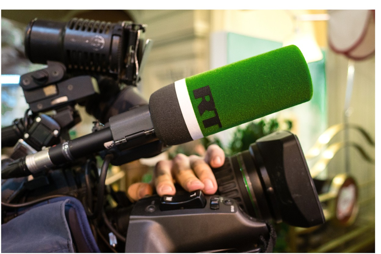 Launched in 2017 in France, the Russian television channel RT has seen its audience grow steadily. (Photo: Shutterstock)
