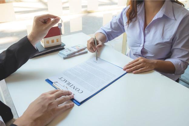 Pour éviter une hausse de son loyer suite à l'indexation des salaires, le plus simple est de ne pas signer de bail incluant cette clause de valeur. (Photo: Shuttertsock)
