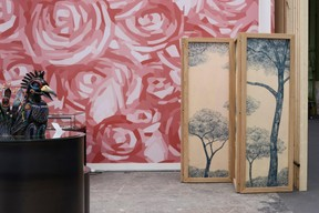 À gauche, une création de Lea Schroeder et à droite une de Marie-Isabelle Callier. ((Photo:Antoine Seiter))