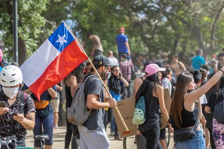 Le mouvement de contestation au Chili perdure, ce qui a conduit le président du Chili à renoncer à l'organisation de la COP25. (Photo: Shutterstock)