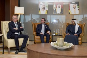 Pierre Gramegna, S.A.R. le Grand-Duc héritier et Majid Saif Al Ghurair, président de la Chambre de commerce et d'industrie de Dubaï. ((Photo: SIP / Jean-Christophe Verhaegen))