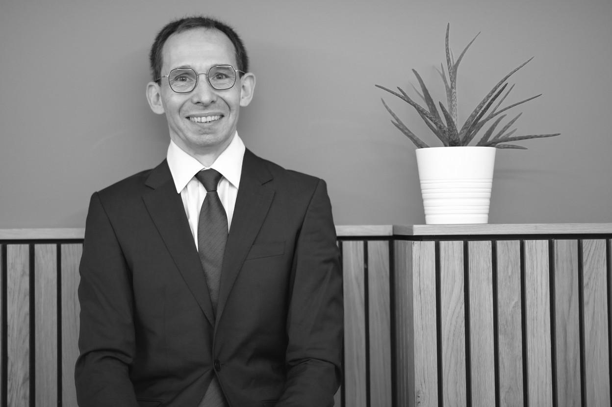 Daniel Adam: «Notre structure est organisée pour rendre un service complet et optimal tout en étant très attachée à la qualité des relations humaines, au respect de notre clientèle, à ses valeurs et à son parcours personnel.» (Photo:AR Services SA)
