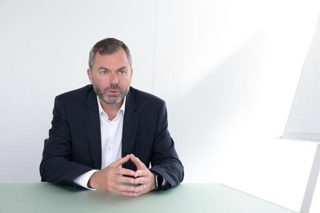 SébastienGenesca succédera le 1er mai2021 àDominiquePeiffer comme CEO d'Elgon. (Photo: Matic Zorman/Maison Moderne)