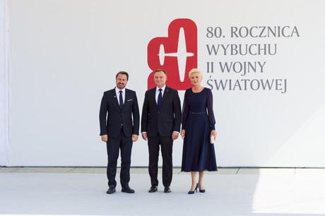 Xavier Bettel, accueilli par le président polonais, Andrzej Duda, et son épouse, Agata Kornhauser-Duda. (Photo: SIP / Jean-Christophe Verhaegen)
