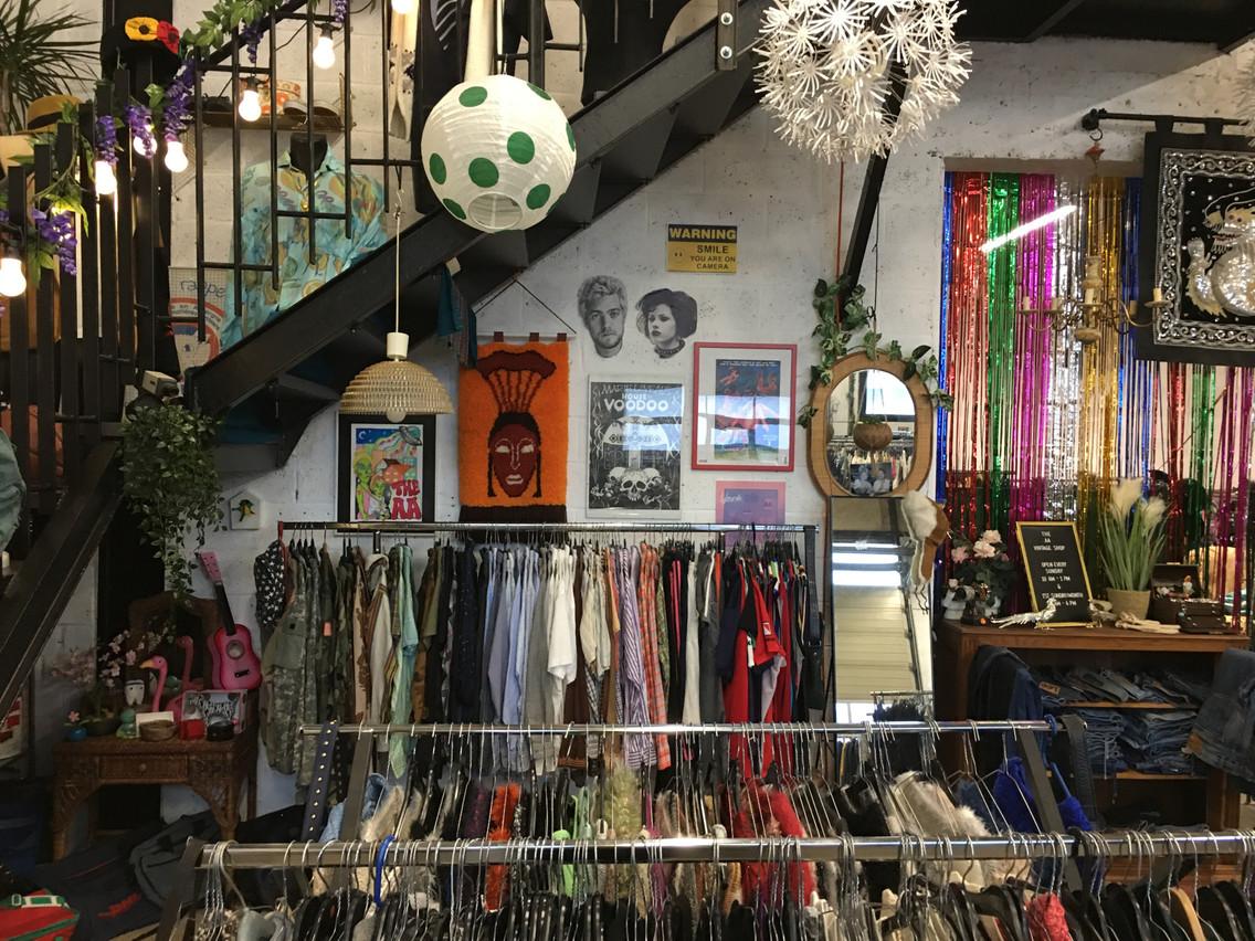 The AA Warehouse à Fentange propose à ses clients des échanges de pièces pour étoffer ses rayons dans sa boutique de 200m 2 . (Photo: The AA Warehouse)