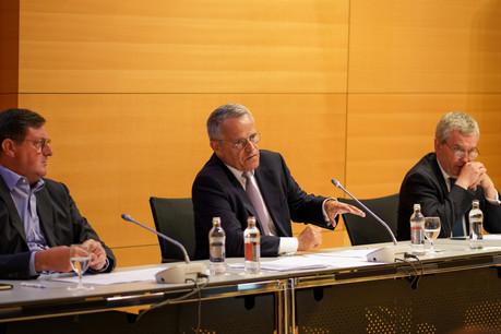 Les banques ont accepté 97% des demandes de moratoires sur les crédits, pour un montant total représentant 3,7milliards d'euros. À l'image de gauche à droite: Yves Maas (CEO par intérim), Guy Hoffmann (président) et Pierre Etienne (vice-président) de l'ABBL. Romain Gamba / Maison Moderne