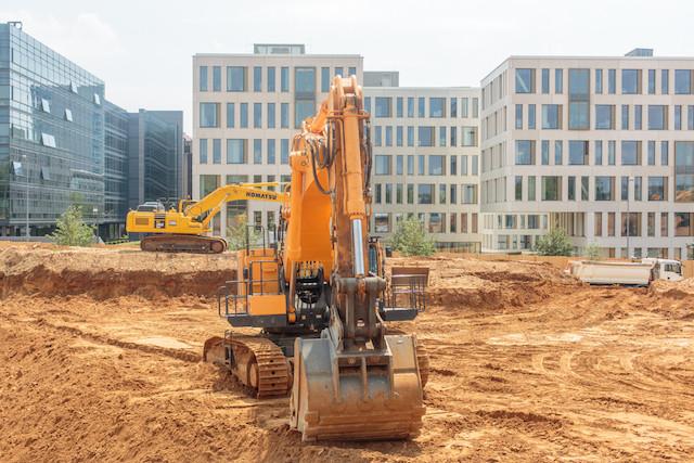 Malgré la canicule, certains chantiers continuent, mais les employeurs doivent prendre des mesures de prudence. (Photo: Matic Zorman/archives)