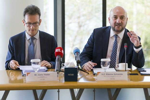 Carlo Thelen, directeur général de la Chambre de commerce; Étienne Schneider, vice-Premier ministre, ministre de l'Économie, ministre de la Santé. (Photo: © SIP / Jean-Christophe Verhaegen)