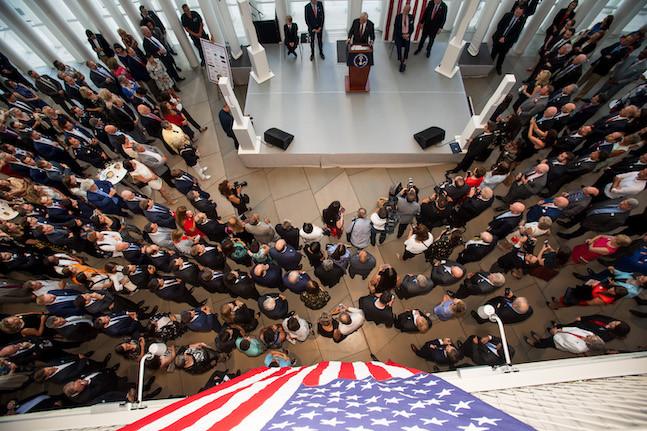 Une trentaine d'hommes politiques américains se sont joints à la cérémonie. (Photo: Nader Ghavami)