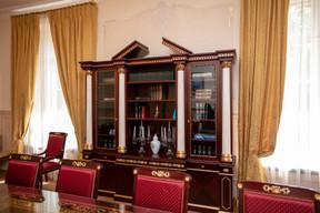 L'EWUB s'est efforcée de trouver des meubles et des matériaux historiques, par exemple pour les rideaux, assortis à la villa. ((Photo: Romain Gamba/Maison Moderne))