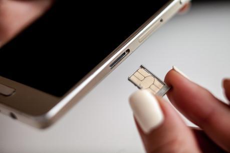 Les hackers utilisent le SMS reçu avec le code d'accès à un site d'e-commerce afin de demander à l'opérateur de modifier la carte SIM de votre téléphone et obtiennent ainsi toutes les informations dont ils ont besoin. (Photo: Shutterstock)