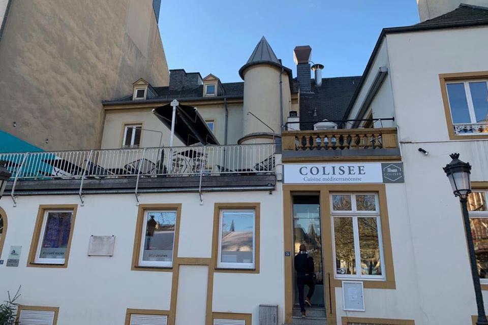 La terrasse du Colisée donne sur la place GuillaumeII. (Photo: Le Colisée/Facebook)