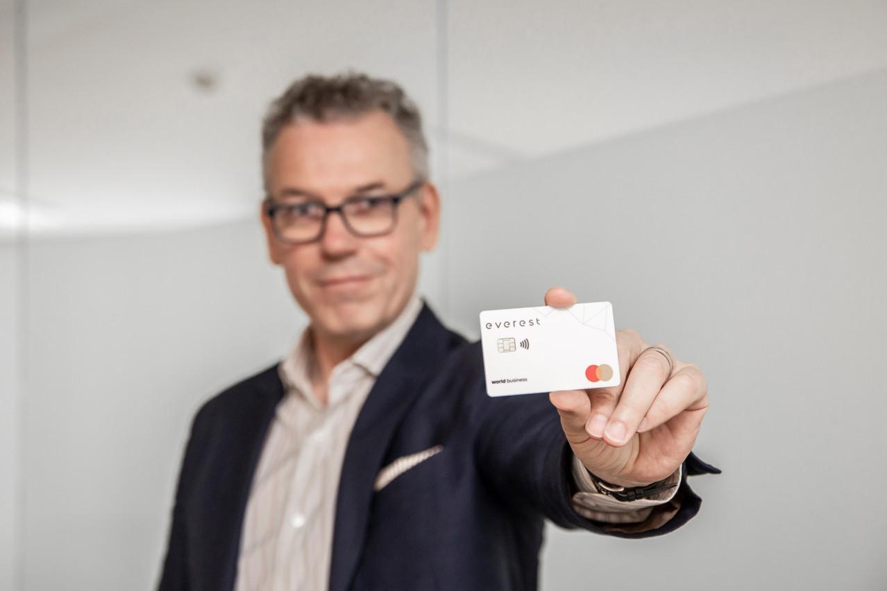 Dès l'ouverture du compte, le client est d'ailleurs habilité à utiliser une carte numérique avant de recevoir la carte physique. Jan Hanrion/Maison Moderne Publishing SA