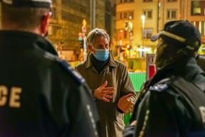 Henri Kox a pu échanger avec les policiers de la capitale. ((Photo: DG-DCOM))