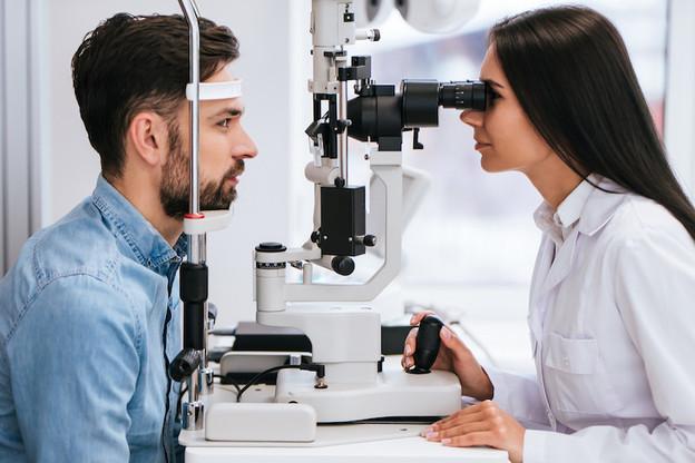 Une intervention ophtalmologique urgente doit être remboursée par la sécurité sociale même si elle a eu lieu dans un autre pays européen, selon la CJUE. (Photo: Shutterstock)