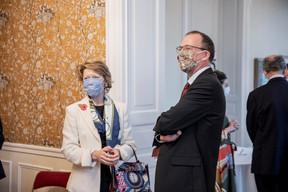 John Marshall (Ambassadeur du Royaume-Uni au Luxembourg) à droite et Claudine Als (Hôpitaux Robert Schuman) (Jan Hanrion / Maison Moderne Publishing SA)