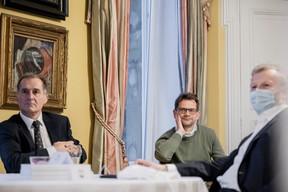 Mark Phillips (AVIVA Investors Luxembourg S.A.) à gauche, Laurent Zeimet (au centre), Paul Lesch (CNA) à droite (Jan Hanrion / Maison Moderne Publishing SA)