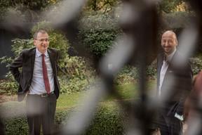 John Marshall (Ambassadeur du Royaume-Uni au Luxembourg) à gauche et Mathieu Mathelin (Maison Moderne) à droite (Jan Hanrion / Maison Moderne Publishing SA)