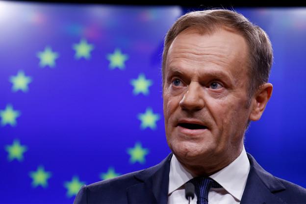 Preben Aamann, porte-parole du président du Conseil européen Donald Tusk (ci-dessus), a annoncé dans un tweet que le Conseil qui réunissait les Vingt-Huit est suspendu jusqu'à ce mardi 2 juillet à 11h.  (Photo: Shutterstock)