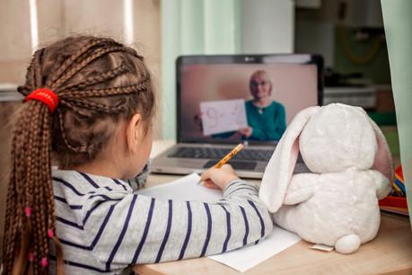 Les cours à la maison n'ont pas été bénéfiques pour tous. Certains élèves augmentent la fréquence de leurs cours particuliers avec la reprise. (Photo: Shutterstock)