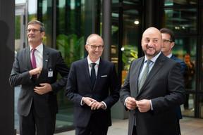 Bernard Gilliot (Fédération des entreprises de Belgique), Luc Frieden (Chambre de commerce) et Étienne Schneider (vice-Premier ministre) ((Photo: Anthony Dehez))