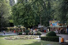 Des stands de boissons et de nourriture sont éparpillés dans la ville dans le cadre de l'opération «D'Stad lieft». ((Photo: Romain Gamba / Maison Moderne))