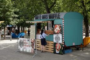 Des stands de boissons ou de nourriture sont éparpillés dans la ville dans le cadre de l'opération «D'Stad lieft». ((Photo: Romain Gamba / Maison Moderne))